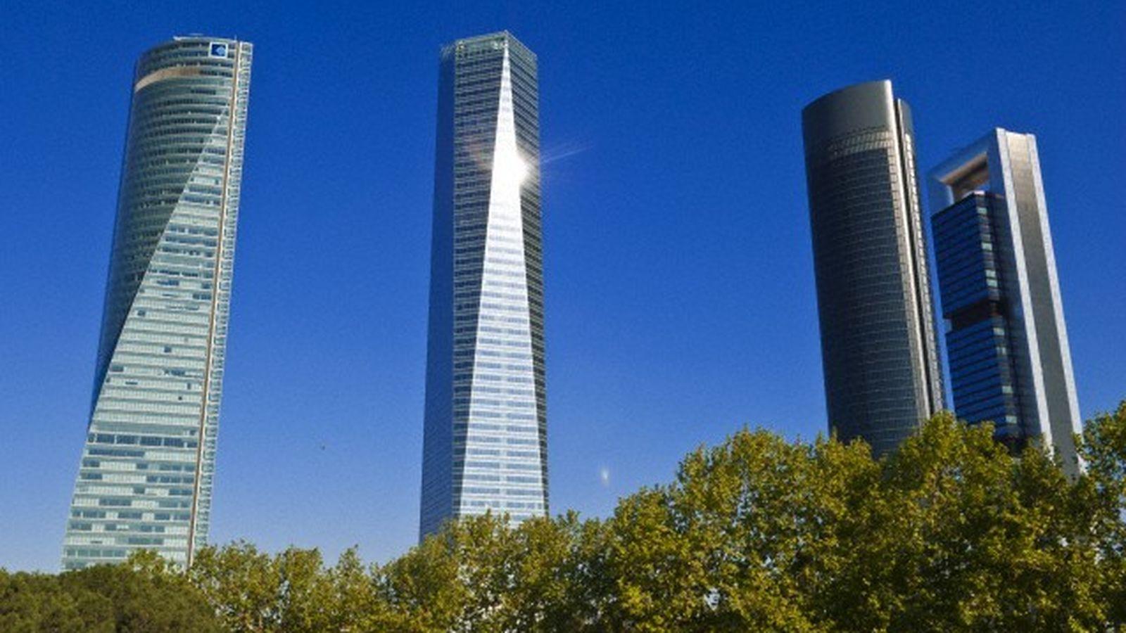 Foto: Torre Espacio (i) junto a las otras tres torres de Madrid. (Corbis)