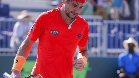 Ferrer se cita con Djokovic, que se salvó de la eliminación de milagro