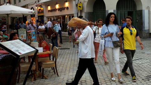 Andalucía propone un calendario y pide abrir bares y retaurantes
