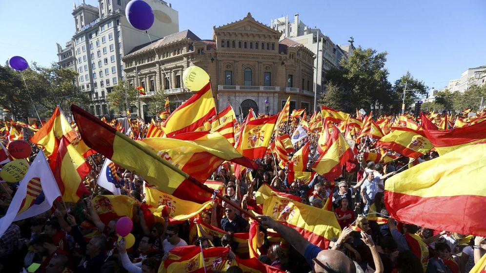 Foto: Manifestación de 'Todos somos Cataluña' contra la independencia (EFE)