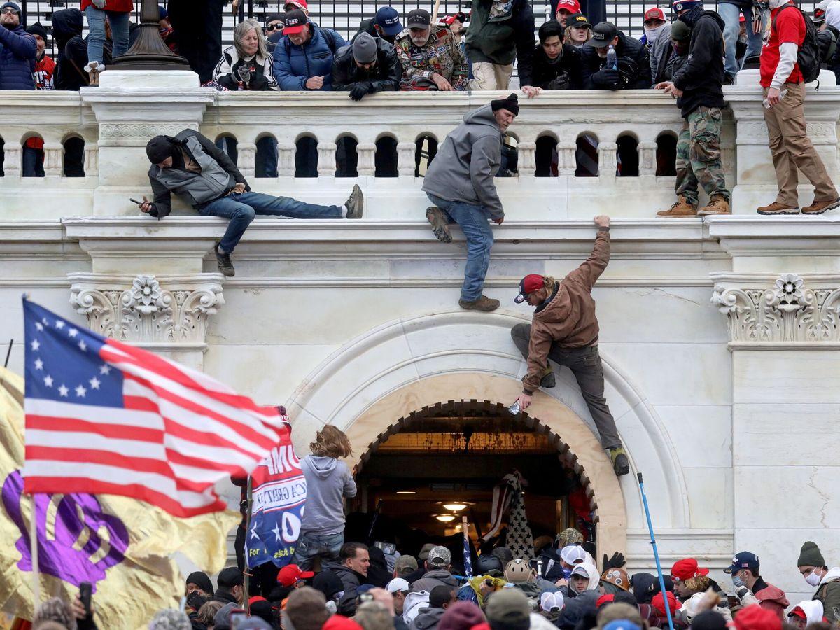 Foto: La turba de gente que asaltó el Capitolio el pasado 6 de enero. (Reuters)