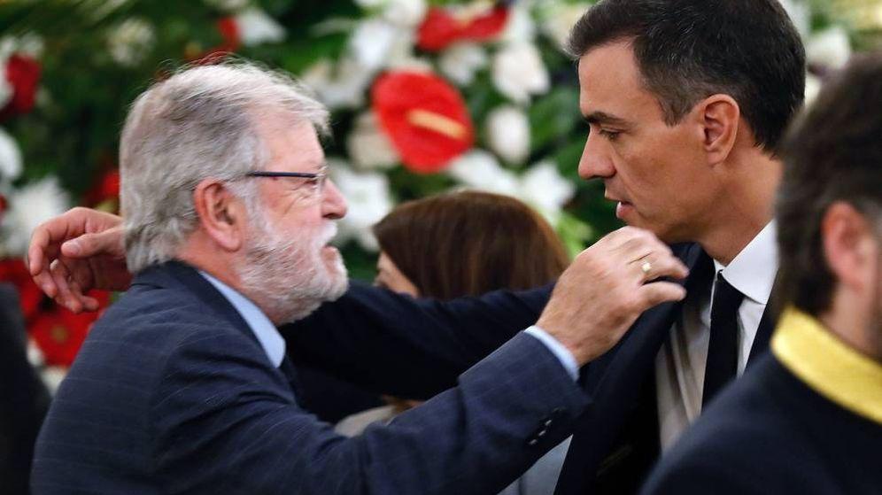 Foto: Pedro Sánchez (d), y el expresidente de la Junta de Extremadura Juan Carlos Rodríguez Ibarra. (EFE)