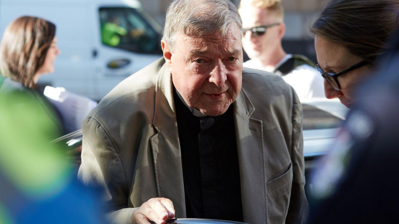 Foto: El cardenal australiano George Pell, este miércoles a su llegada a la Corte de Melbourne. (EFE)