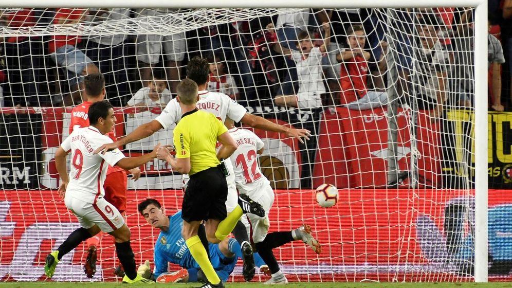 Foto: André Silva marcando un gol al Real Madrid en la pasada campaña liguera. (EFE)