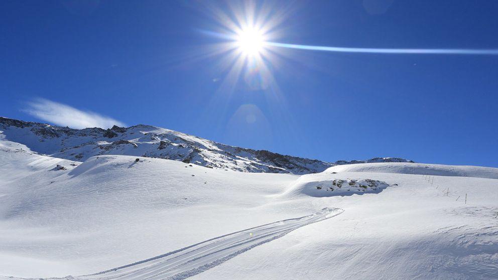 Sierra Nevada: esquí bajo el sol y a menos de una hora de la tumbona