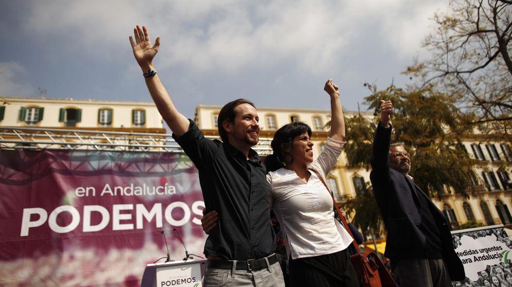 Foto: Pablo Iglesias y Teresa Rodríguez. (Reuters)