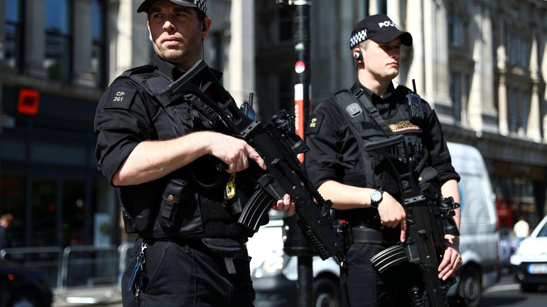 Foto: Reino Unido se llena de flores y policías tras el atentado de Mánchester