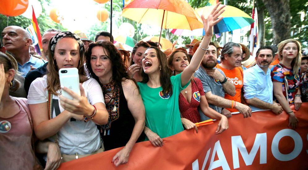 Foto: Diputados de Ciudadanos celebran el orgullo gay en Madrid. (EFE)