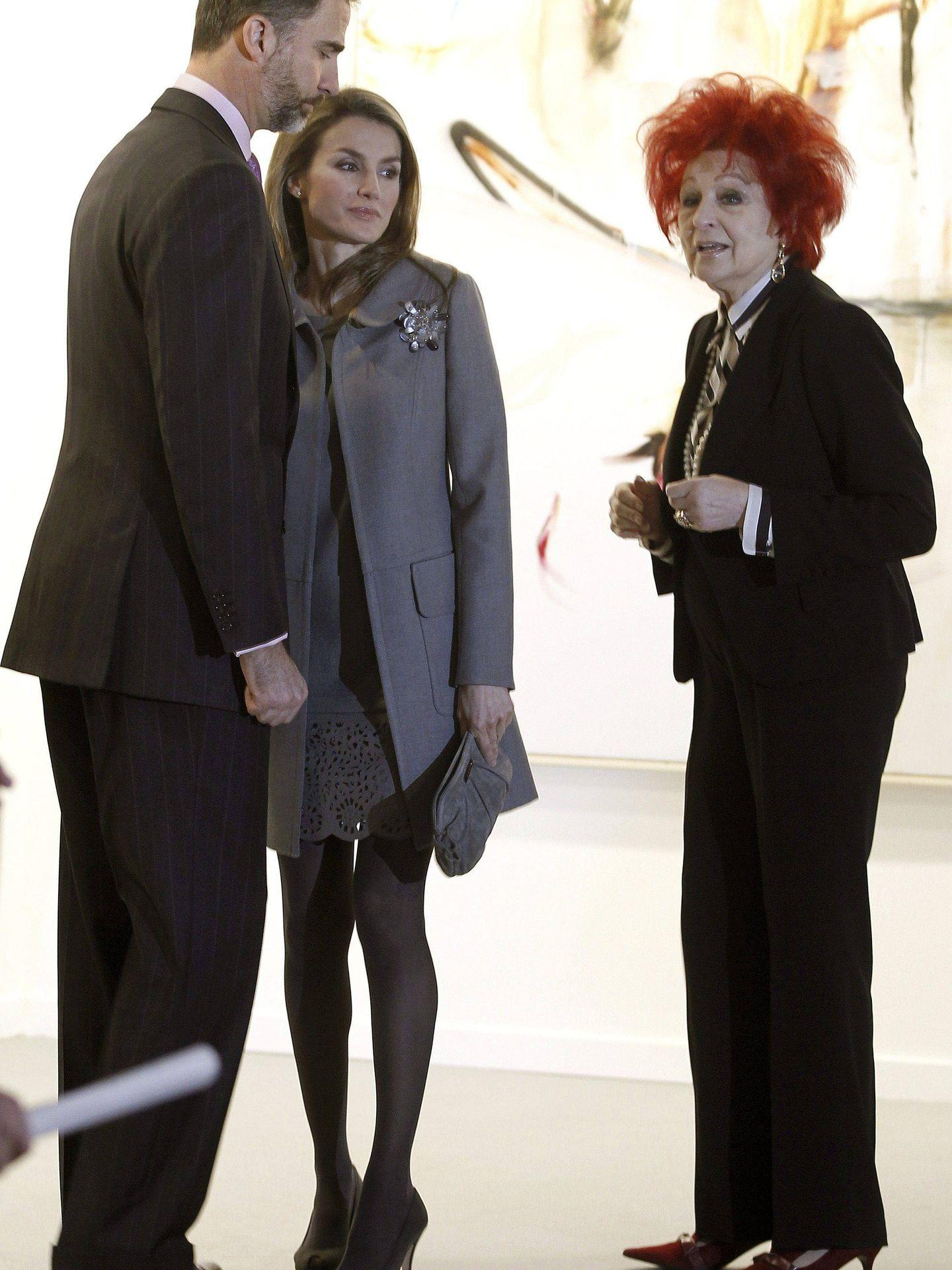 Juana de Aizpuru, junto a los entonces príncipes de Asturias en la inauguración de ARCO en 2013. (EFE)
