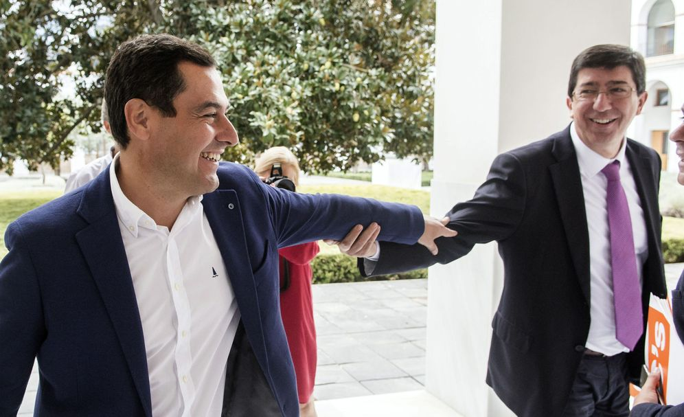 Foto: Juanma Moreno (i) y Juan Marín. (EFE)