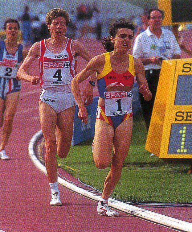 Foto: Julia Vaquero, corriendo 5.000 metros en la Copa de Europa, en junio de 1996. (Atletismo Español)