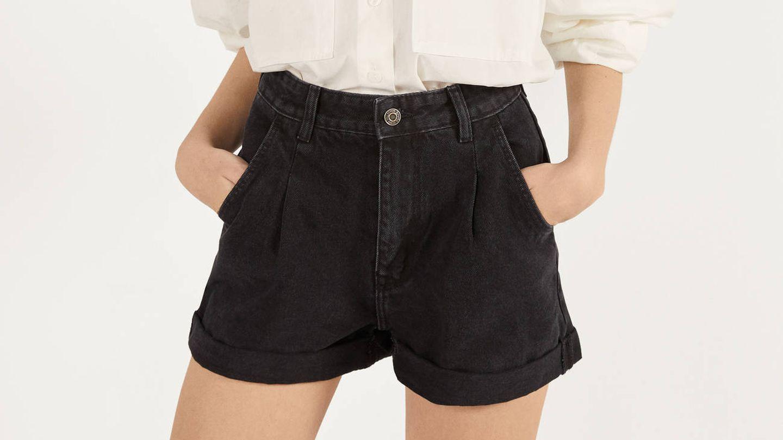 Pantalones cortos de Bershka. (Cortesía)