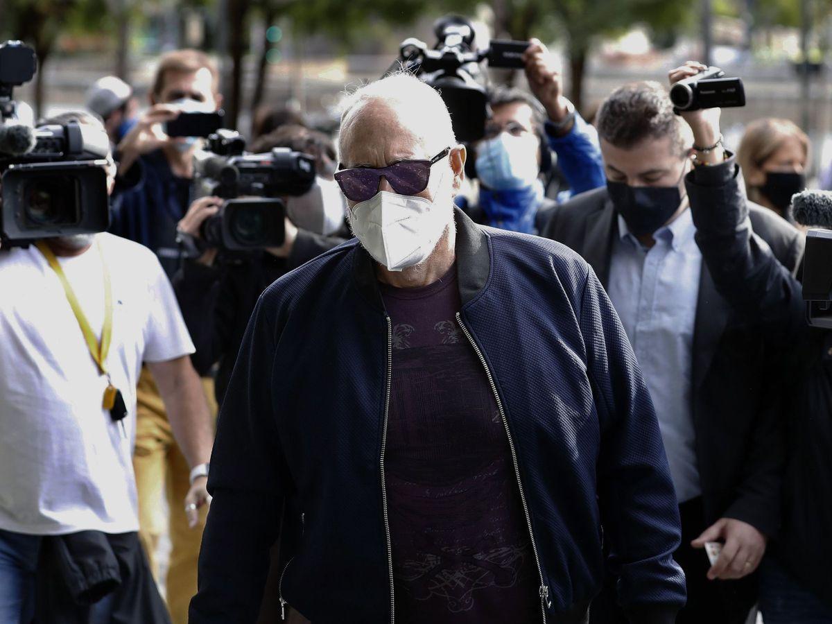 Foto: Josep Maria Mainat llegando a los juzgados de Barcelona. (EFE)