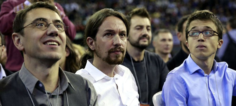 Foto: Juan Carlos Monedero, Pablo Iglesias e Íñigo Errejón, durante la asamblea de Podemos. (Daniel Muñoz)
