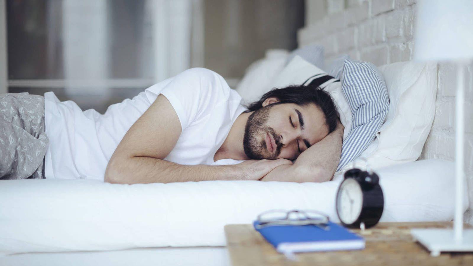 Insomnio: Por qué dormir ocho horas no es suficiente: hace falta un poco más