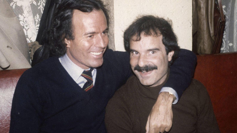 Julio Iglesias y Jesús Mariñas. (Cortesía)