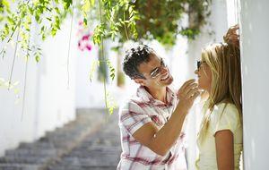 Seis (fatídicas) maneras de acaparar la atención de un hombre atractivo