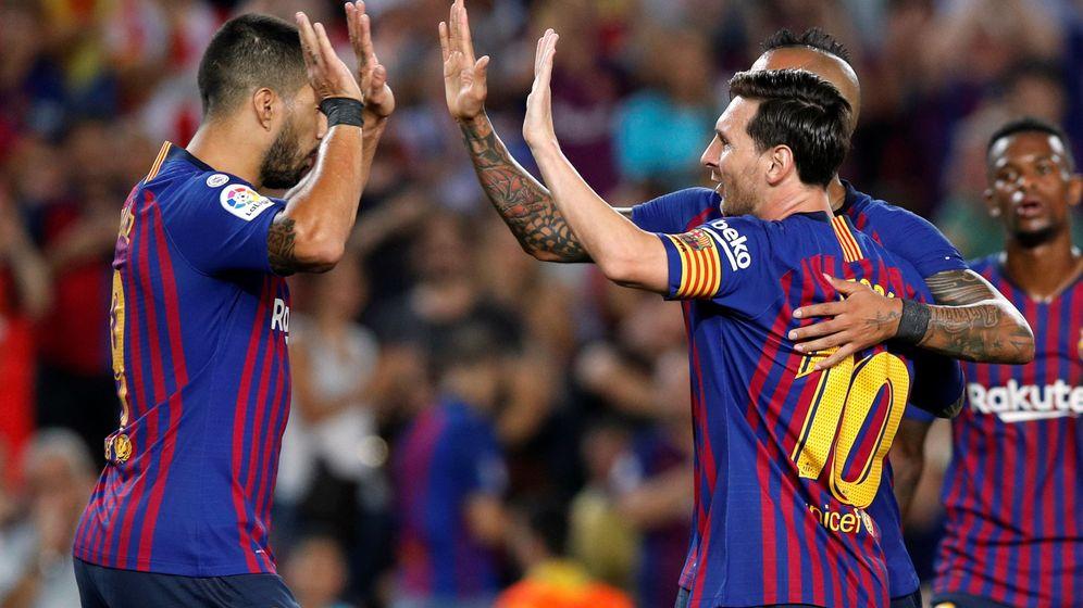 Foto: Lionel Messi y Luis Suárez celebran un gol en Liga (Reuters)