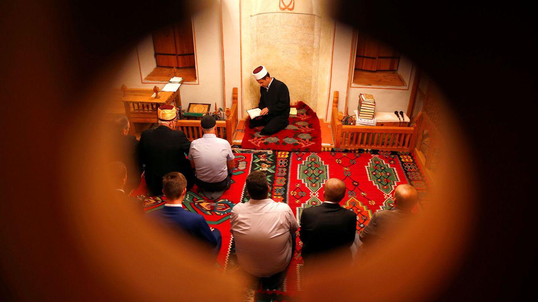 Armas en mezquitas de Bosnia: el oscuro plan del que se acusa a la inteligencia croata