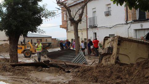 Calles levantadas sobre arroyos: las riadas arrasan el urbanismo más salvaje