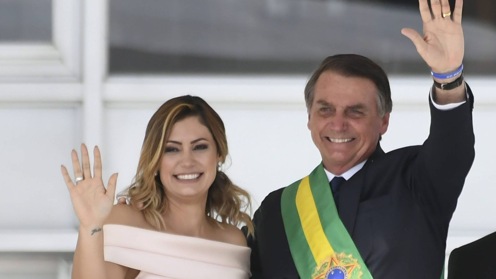 Foto: Michelle Bolsonaro junto a su marido en la toma de posesión.(CORDON)