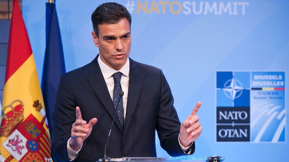 Foto: El jefe del Gobierno español, Pedro Sánchez, durante la rueda de prensa que ofreció en la cumbre de la OTAN. (EFE)