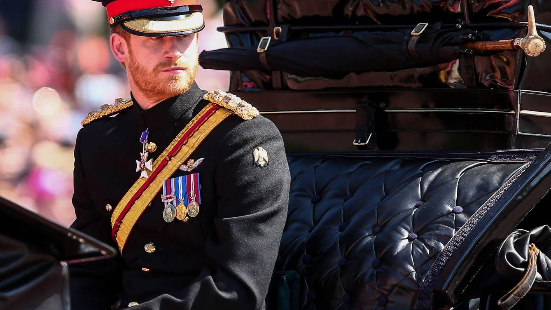 El príncipe Harry confiesa que se planteó 'salir' de la familia real
