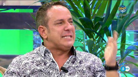 Víctor Sandoval se derrumba en 'Sálvame' por la muerte de su padre