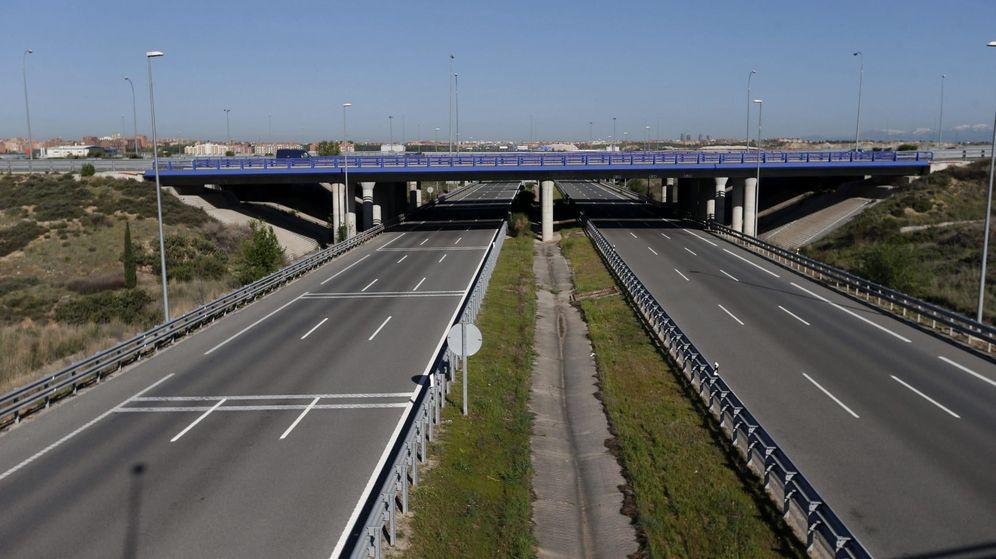 Foto: Vista de la R-2, la autopista que discurre a lo largo de 62 kilómetros entre la M-40 y Guadalajara. (EFE)