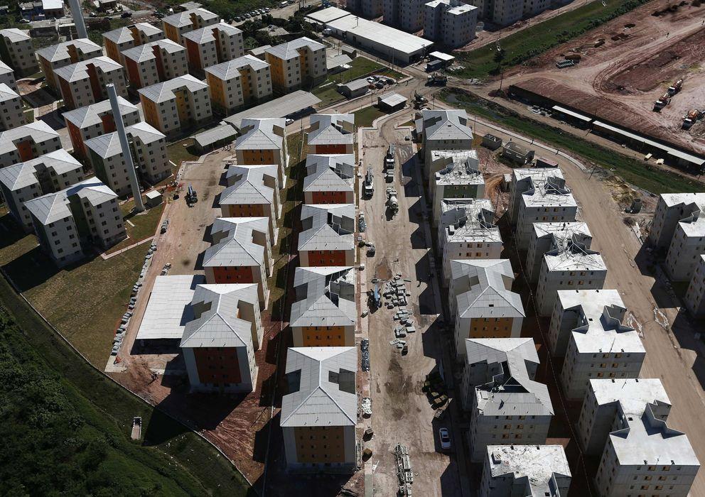 Foto: Imagen de varias viviendas de nueva construcción (EFE)