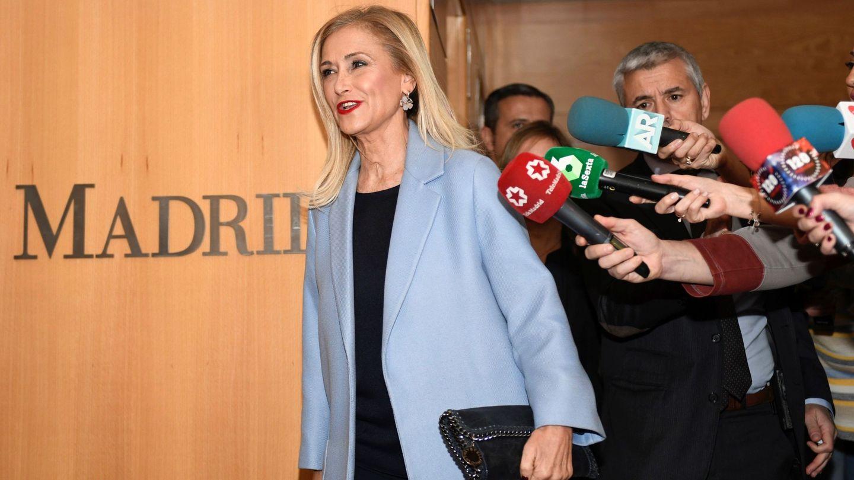 Cristina Cifuentes, en la sede de la Asamblea de Madrid. (EFE)