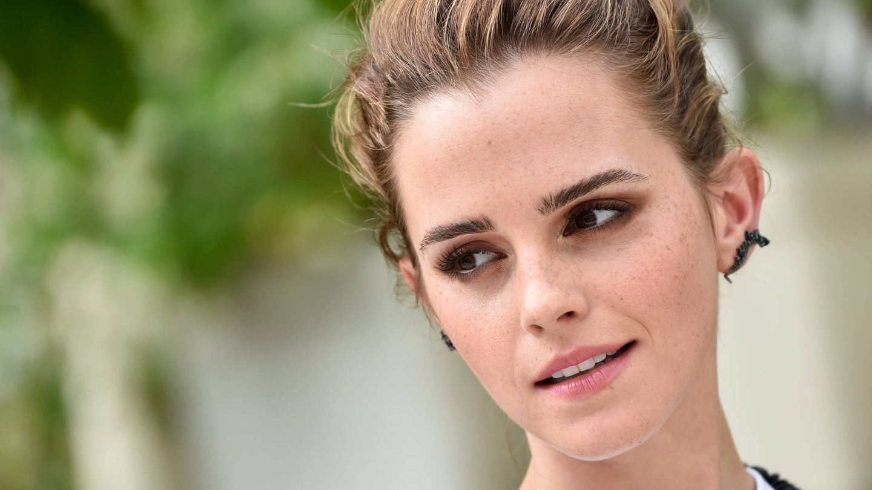 Emma Stone nunca ha cubierto con maquillaje sus pecas. (Getty)
