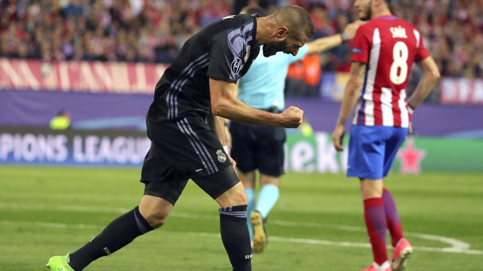 Foto: Eliminar a tres rivales en un palmo, por Karim Benzema. (EFE)