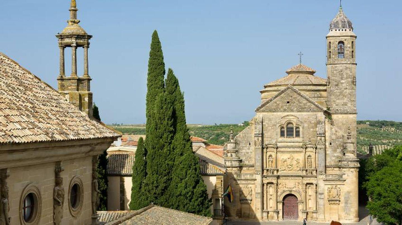La capilla del Salvador, en la plaza de Vázquez de Molina. (Ciudades Patrimonio Humanidad)