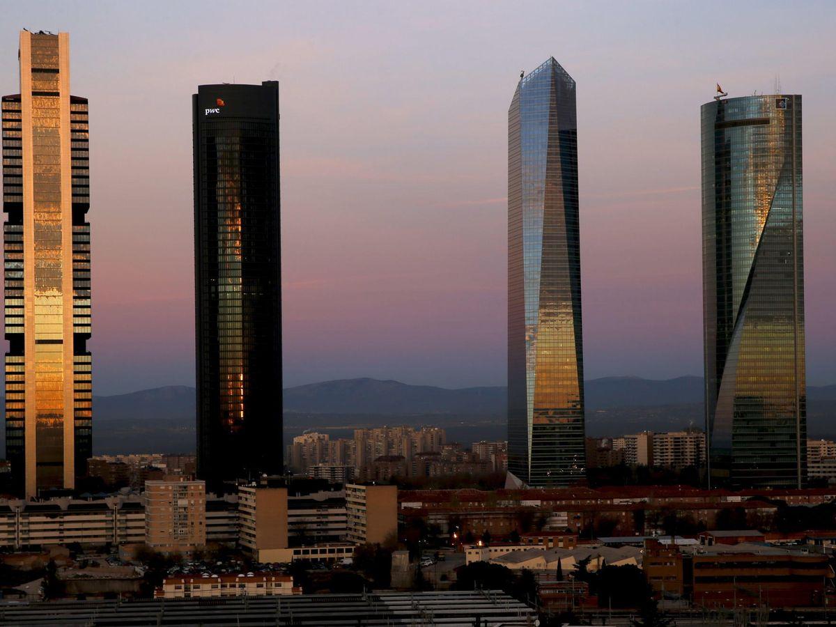 Foto: Imagen de las Cuatro Torres de Madrid, en donde tienen su sede KPMG y PwC.