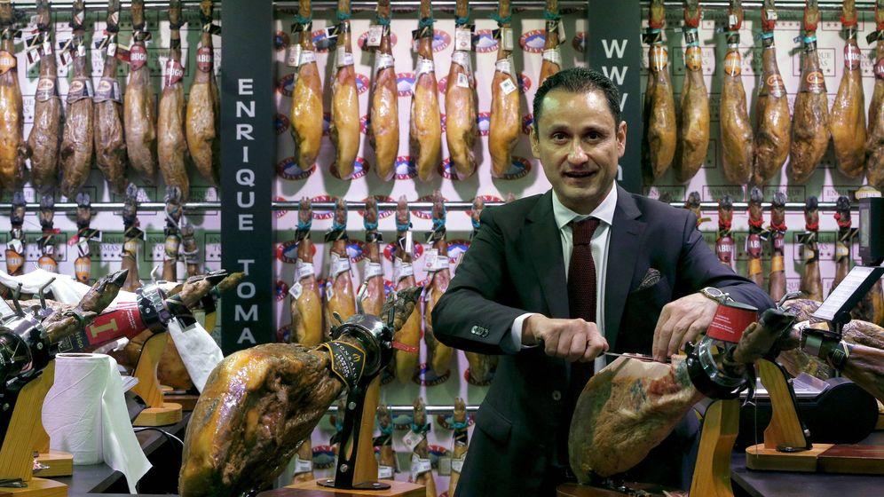 Foto: Enrique Tomás, en una de sus tiendas de Barcelona. (EFE)