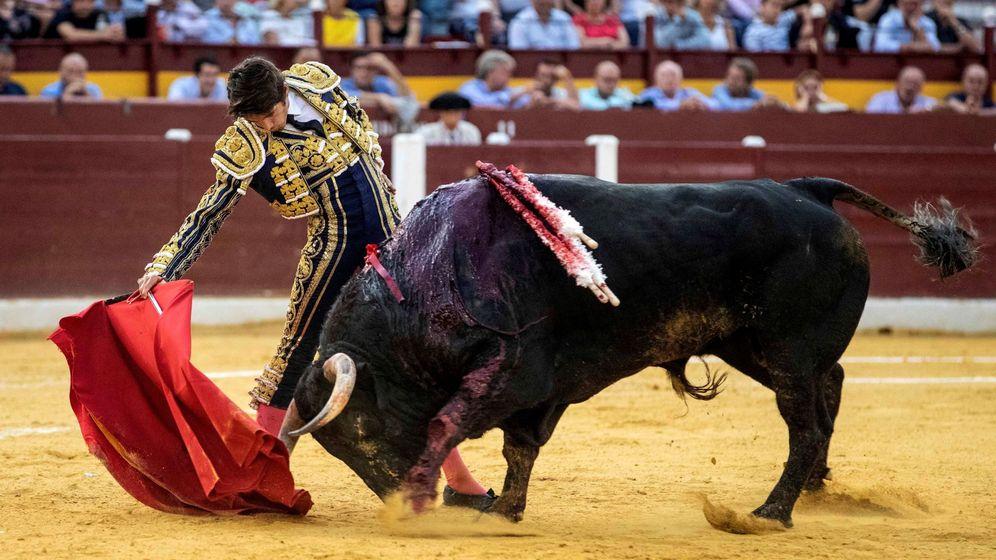 Foto: El torero francés Sebastian Castella, en la feria de Murcia. (EFE)