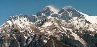 Post de La imagen de la vergüenza: los atascos en el Everest en plena 'zona de la muerte'