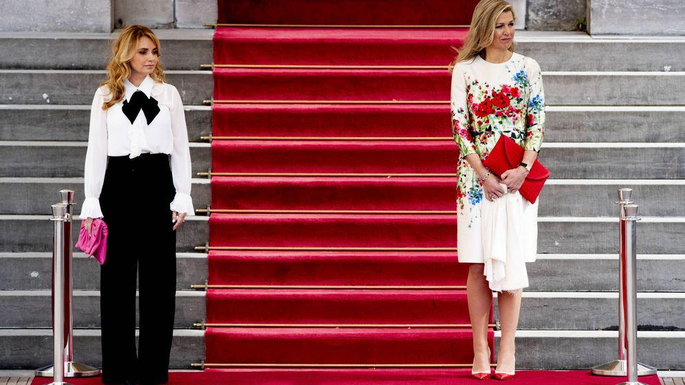 Foto: Máxima de Holanda y Angélica Rivera en el acto de bienvenida. (Gtres)