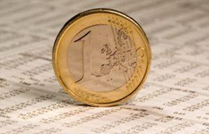 El euro retrocede por la persistencia de las dudas sobre Europa