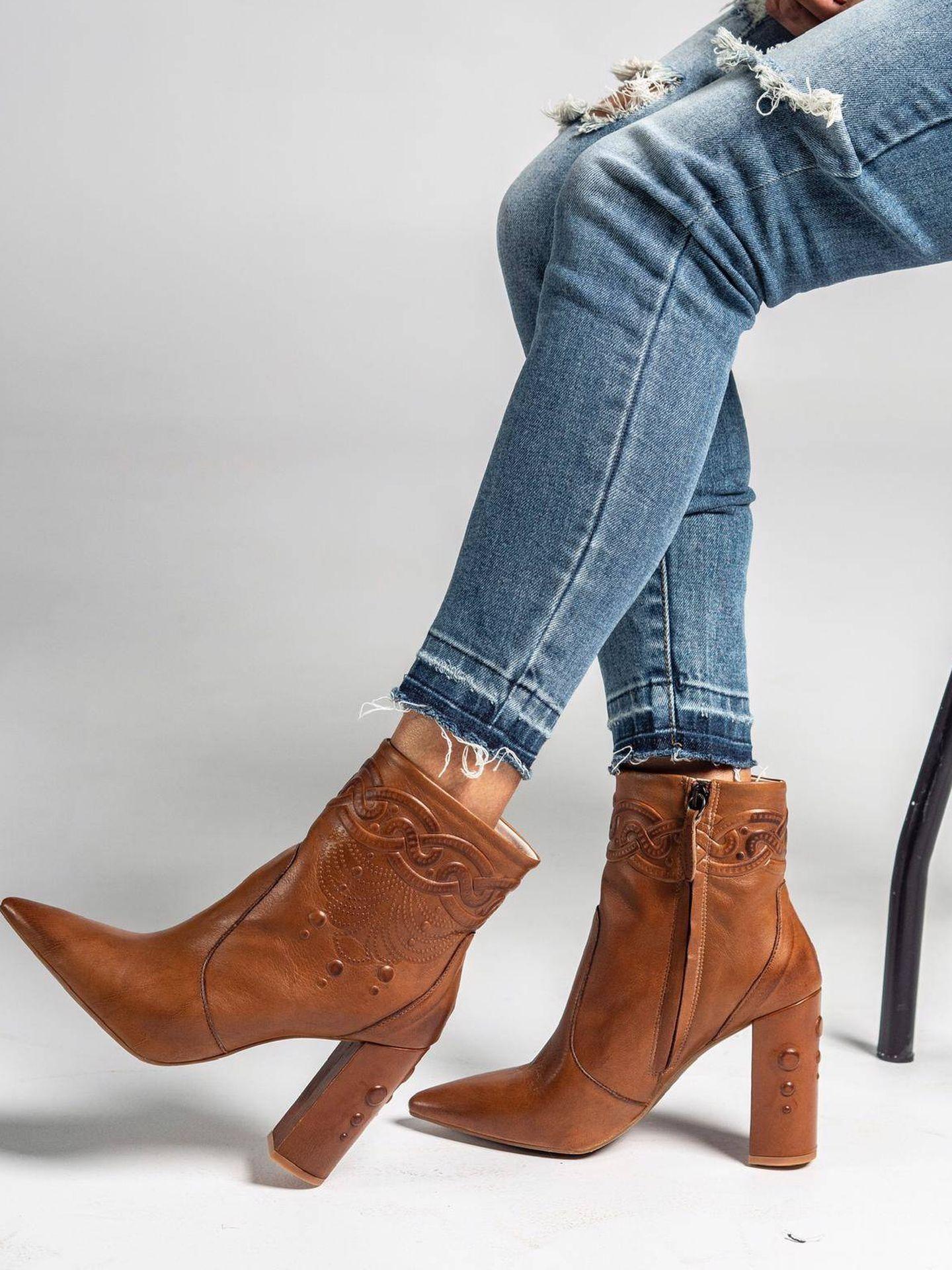 Modelo de la colección de calzado de Miguel Palacio. (Cortesía)