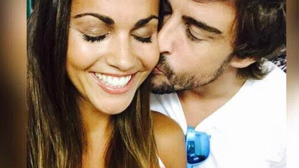 Fernando Alonso, enamorado de Lara Álvarez… Y Lara, de su perro