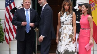 El gran descuido de la reina Letizia frente a Melania Trump con su vestido