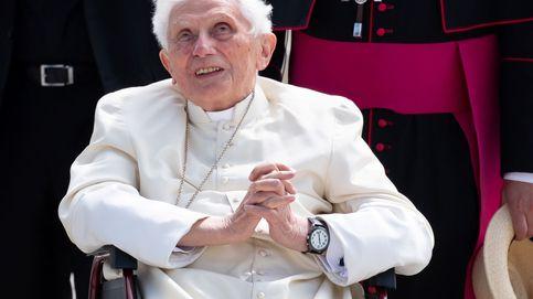 El expapa Benedicto XVI, extremadamente frágil de salud, según su biógrafo