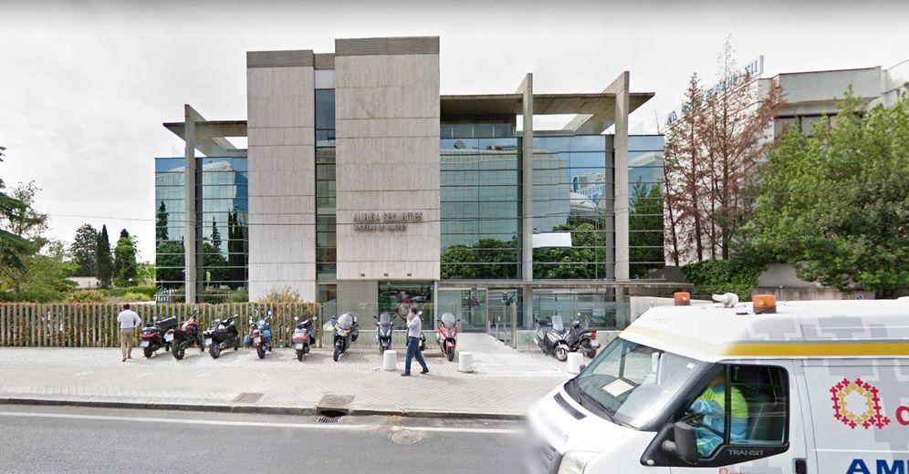 Foto: Edificio de la Cuesta del Sagrado Corazón que sale a subasta