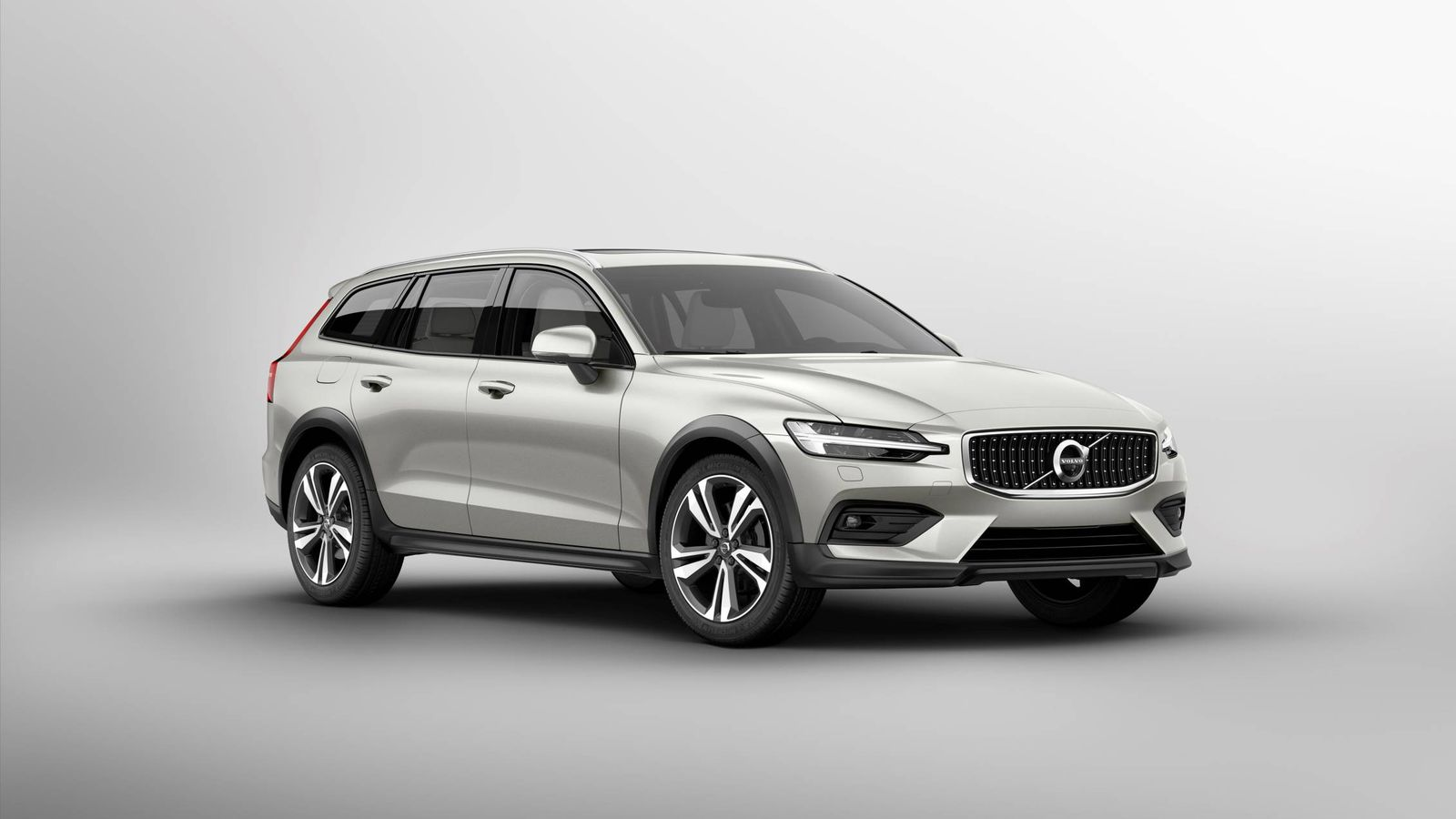 2021 Volvo V60 Cross Country Review and Release date
