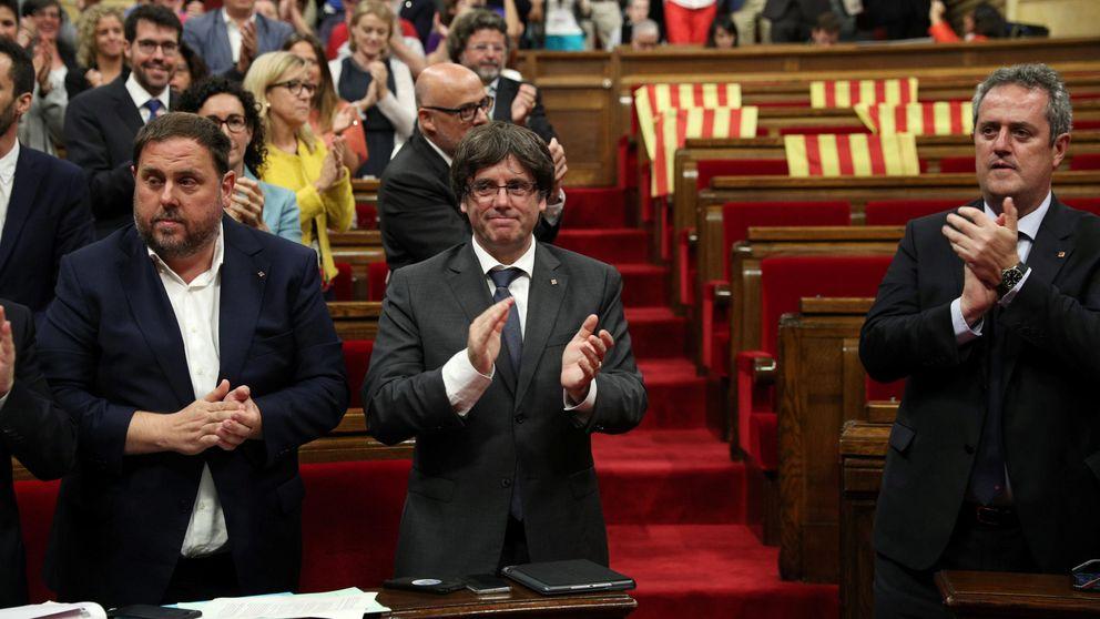 Puigdemont convoca el referéndum a costa de la credibilidad del Parlament
