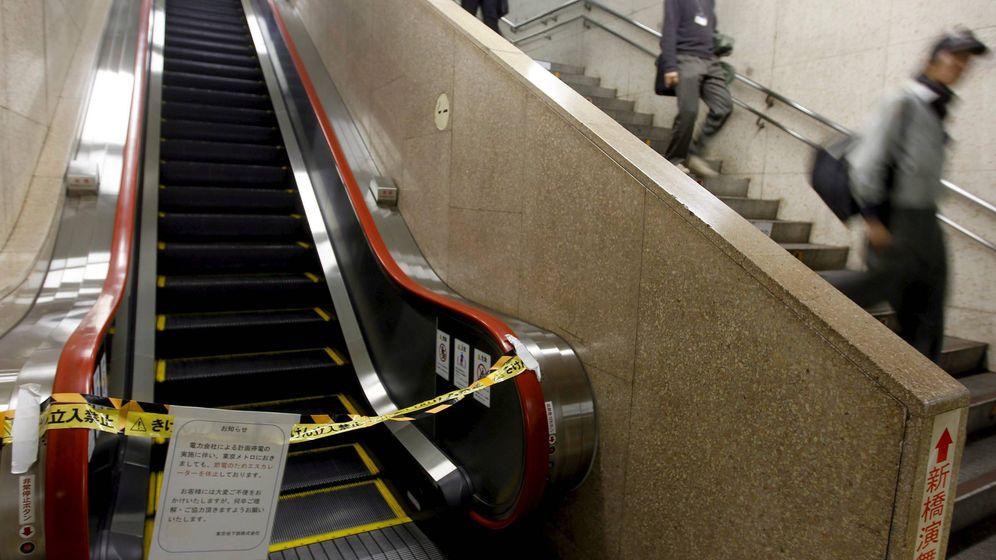 Foto: Escaleras mecánicas averiadas en una estación de metro. (EFE)