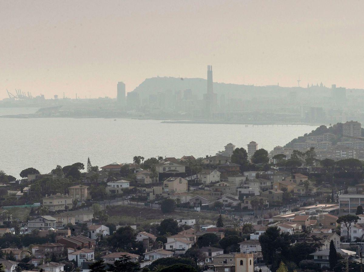 Foto: Episodio de alta contaminación en Barcelona. Foto: EFE