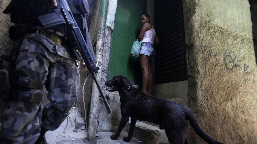 Foto: Imagen de archivo de una menor vecina de una favela en Río de Janeiro, Brasil (Reuters)